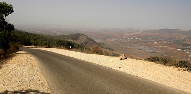 ליד מצפה הר ברקן - מומלץ לעלות למצפה